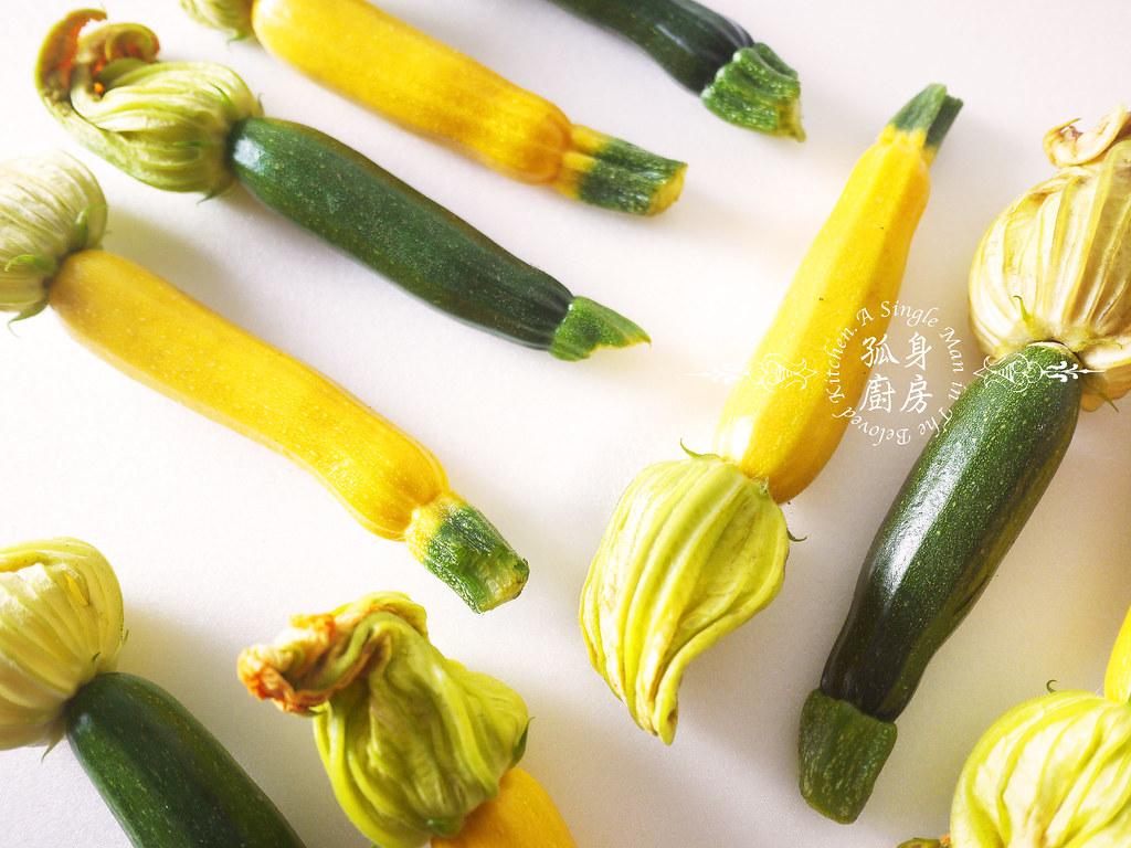 孤身廚房-綠黃雙色櫛瓜花4