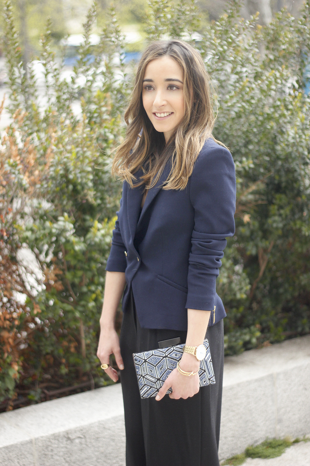 cropped trousers uterqüe clutch blazer accessories outfit style07