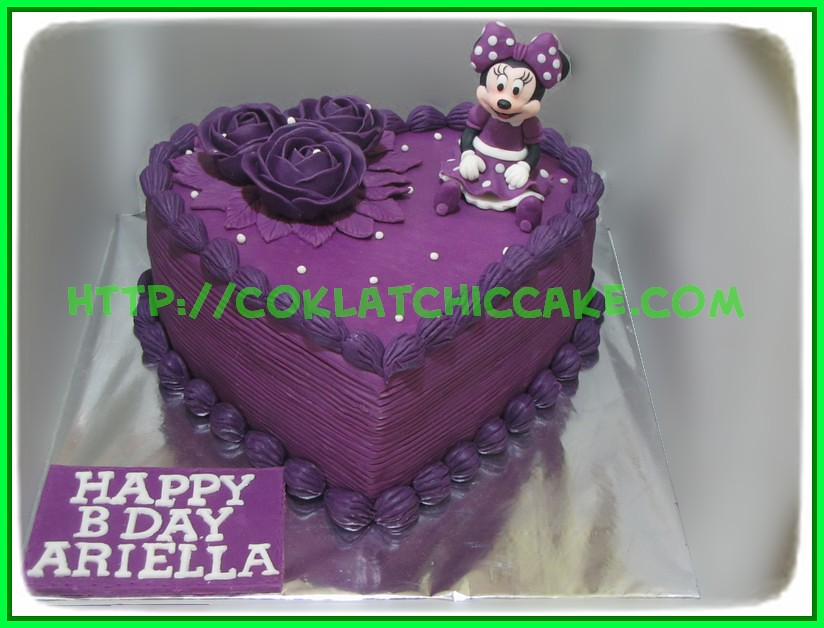 Cake heart minnie mouse