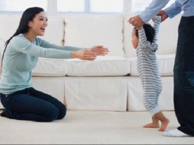 Các mốc phát triển của trẻ: Giai đoạn 8 – 12 tháng tuổi