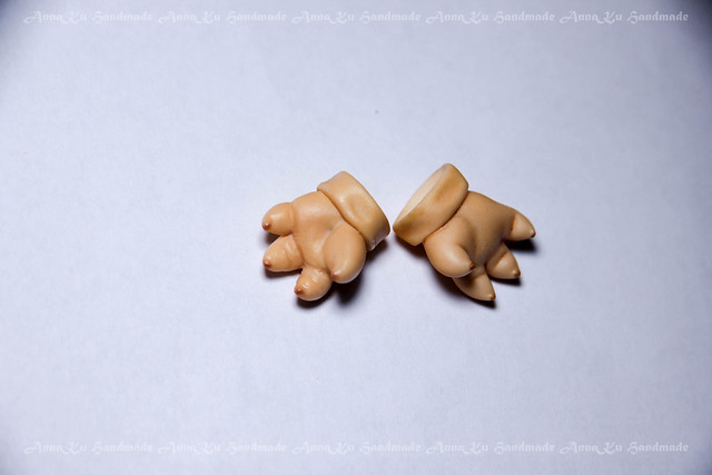 Pukisha left paw sculpting