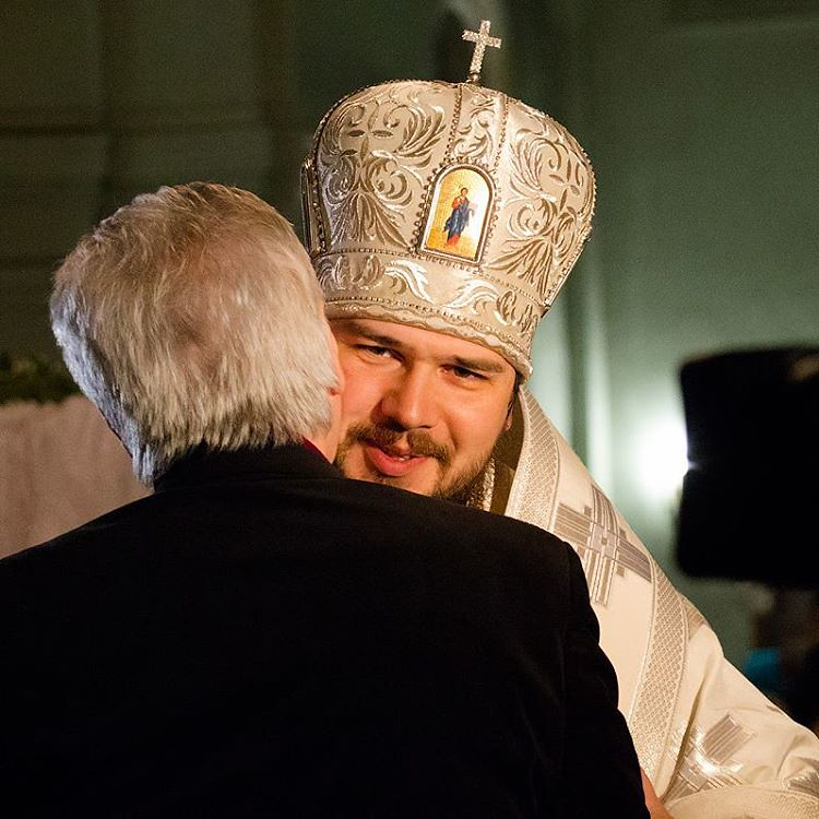 Епископ  Антоний во время богослужения в соборе Святого князя Владимира. #Астрахань #foto