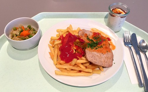 "Pork escalope ""gypsy style"" with french fries / Schweineschnitzel ""Zigeuner Art"" mit Pommes Frites"