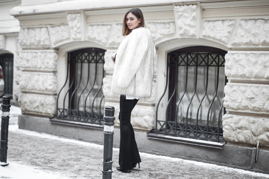 white-faux-fur-coat-outfit-street-style
