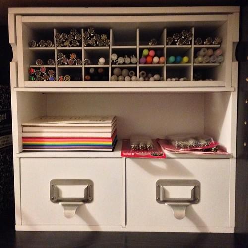 Bookcase organizer