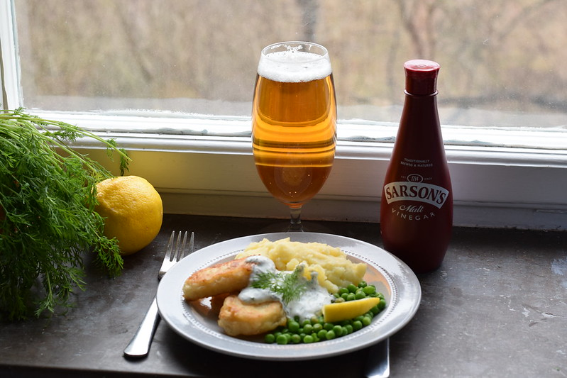 Beer battered halloumi, mash with dill/chives/lemon-sauce