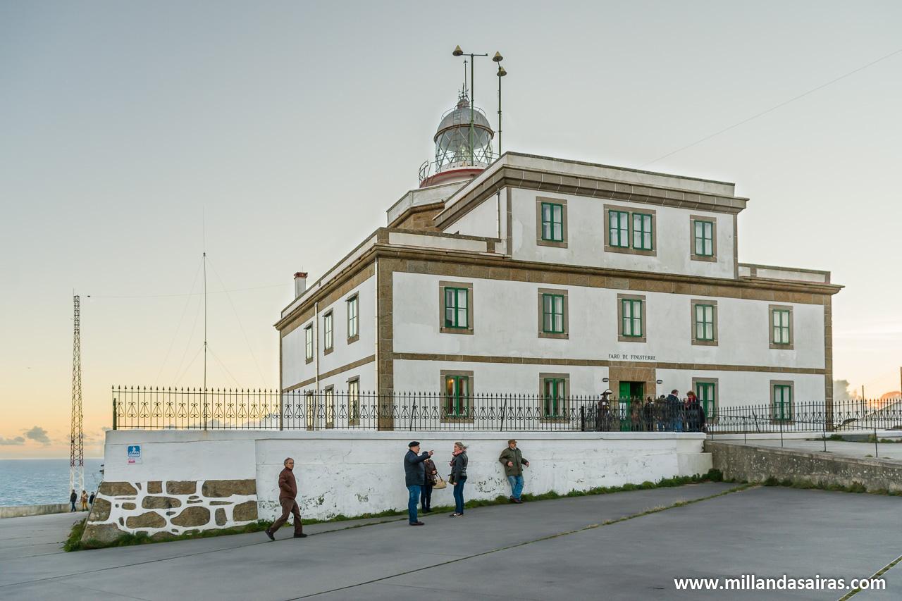 Faro y cabo Fisterra