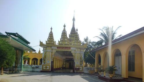 M16-Hsipaw-Temple Mahamyatmuni (1)