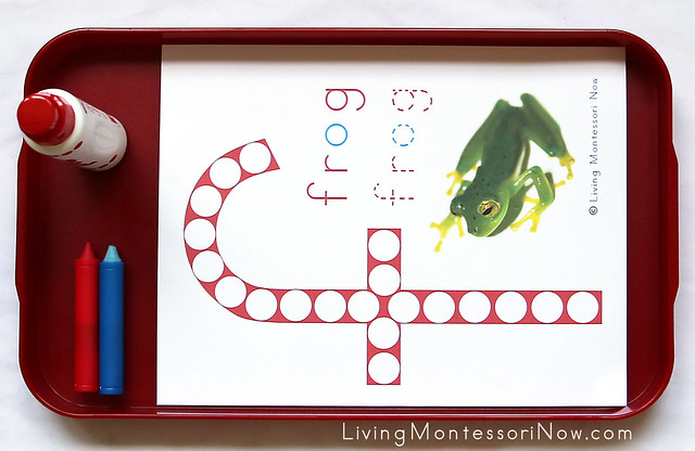 Frog Do-a-Dot Tray with Do-a-Dot Marker