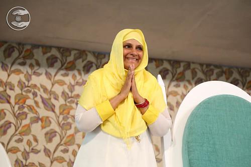 Arrival of Pujya Mata Ji on the dais