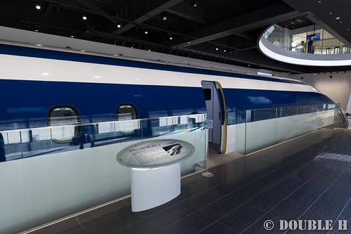 Yamanashi Prefectual Maglev Exhibition Center (3)