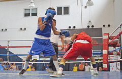 Kevin García (rojo) Arnold Barrios (2)