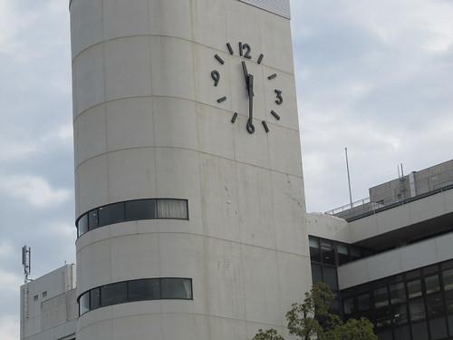 京都競馬場の汚い時計台