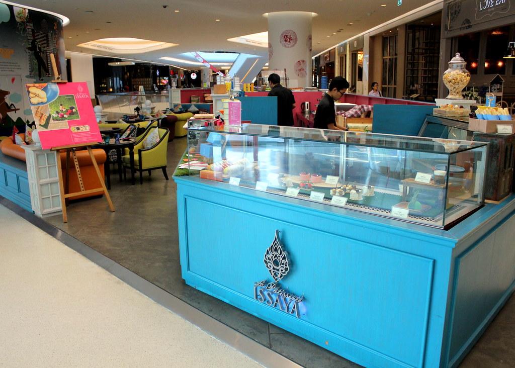 曼谷甜点:伊萨亚拉帕蒂塞里咖啡室内