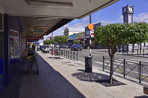 main street clock nz new zealand 2016 nikon d750 fx dannevirke newzealand vangies kitchen bakery cafe long jewllers kids teens sunnies