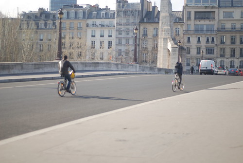 Bike commuters in Paris