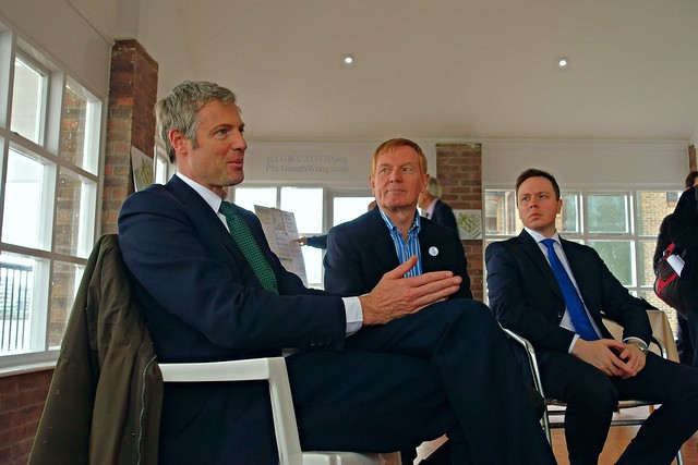 Zac Goldsmith, Ralph Harwick, CompassPoint RA, campaigner from the Isle of Dogs, Councillor Chris Chapman, talking about keeping Thames' air clean, Enderby's Wharf from RAW _DSC0868 @ZacGoldsmith @ChrisChapman86 @hardwickralph