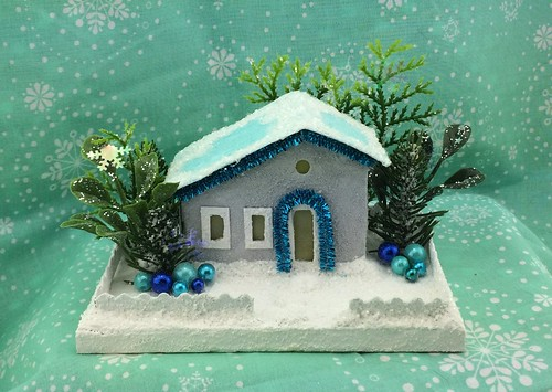 little grey Putz house