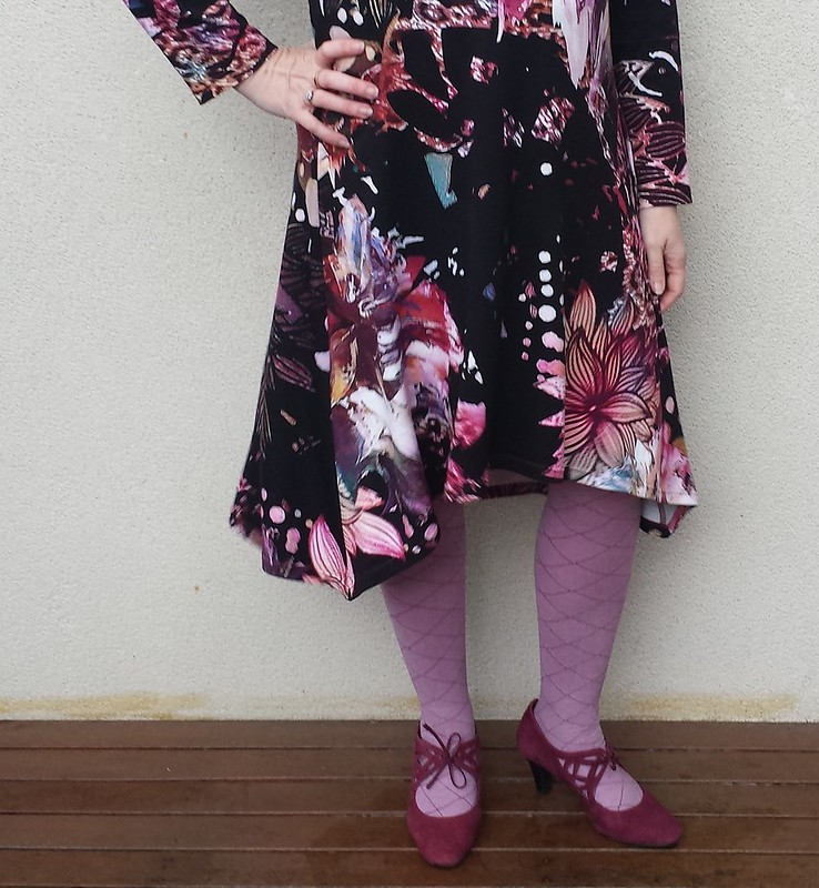 Crafty Mamas Triangle dress in ponte from EK Fashion Fabrics, Brunswick