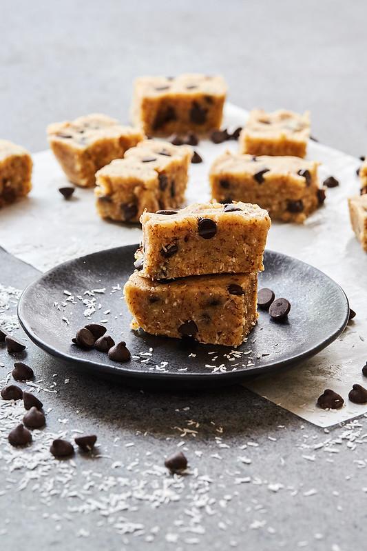 Grain-free No Bake Chocolate Chip Protein Bars