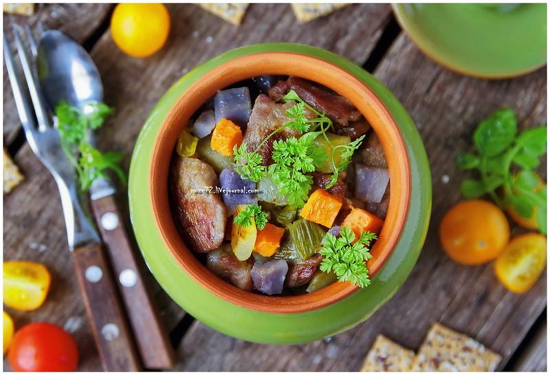 ...pork in the pot_