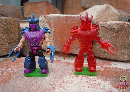tOkKUSTOM :: 88 SHREDDER - MEGA BLOKS Mini iv / ..with HOLOGRAPHIC SHREDDER mini fig