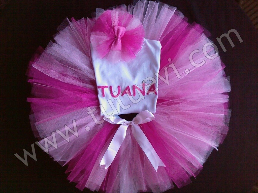Tülay Hanımın Prenses kızı için hazırlattığı body, tütü etek ve saç bandından oluşan tütü takımı hazır, mutlu günlerde giymesini diliyoruz.