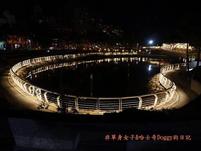 高雄勞工夜市&愛河之心夜景16