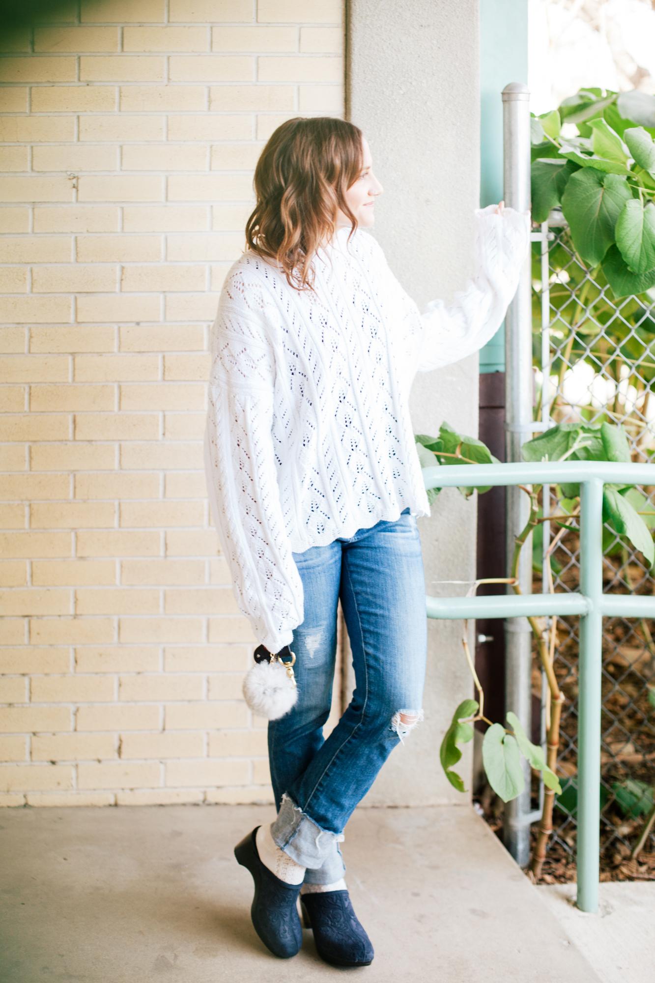 whitesweaterwarbyparkerglasses-4