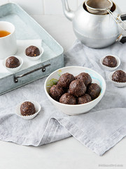 Chocolate Hazelnut Raw Truffles
