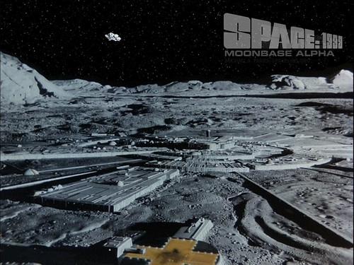 Space 1999 - Poster 1