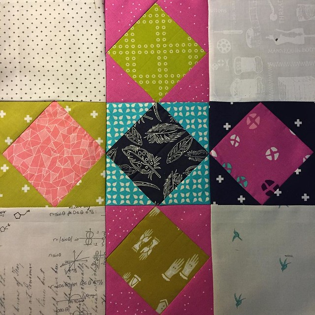 #havendgs bee mates🐝, what do you think of this for our April blocks?  Charm square friendly and color palette totally stolen from @ashapatel #dogoodstitches