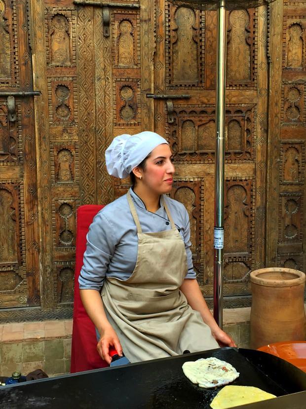 Demonstration for making savory Moroccan bread - Msemen