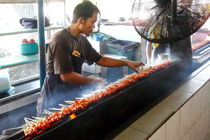 Satay Sri Melaka Grilling Satay