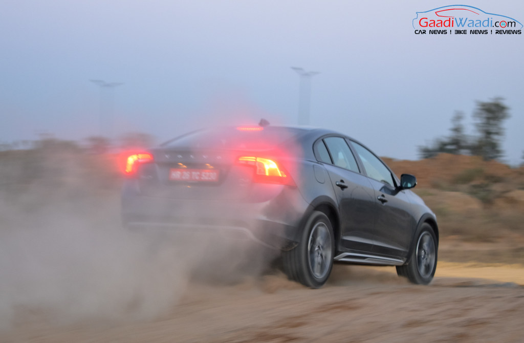 Volvo S60 Cross Country review india-19