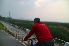 台北淡水河自行車道.天氣好像比較好了