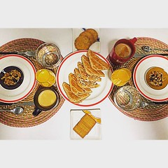 Brunch dia a tothom!!! Edició especial #simetrías #bcn dedicat a @alexfrancesg #igersoftheday #pickoftheday #sundayfunday #breakfast #breakfasttime #breakfastofchampions #igersbcn