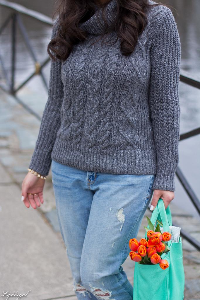 grey sweater, boyfriend jeans, laceup flats-9.jpg