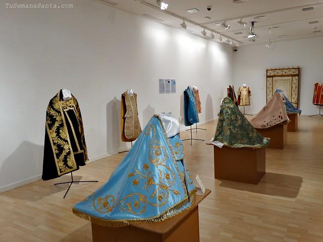 Exposición de Casullas y Mantos