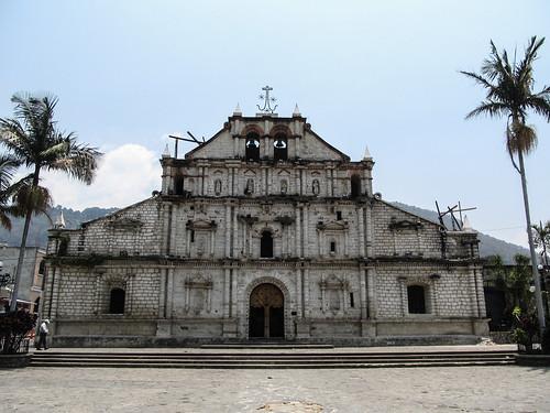Panajachel: la belle église de la Vieille Ville