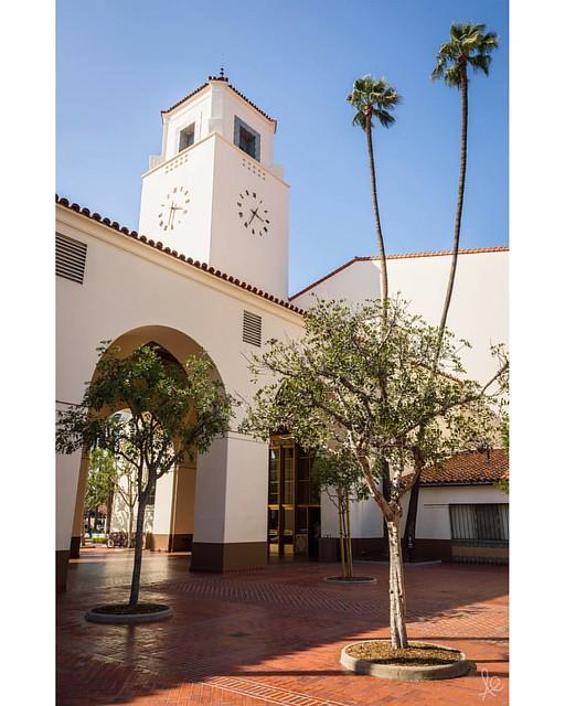 LA's Union Station is an architectural marvel both inside and out. Stunning!     _ #la #losangeles #california #socal #la #artdeco #missionrevival #trainstation #architecture #launionstation #gometro #metro #canon #lowepro #publictransit #losangeles_city