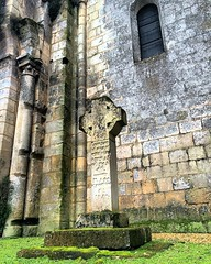 Derrière l'église de #Bouteville #Charente #PoitouCharentes #patrimoine #architecture #artroman #church