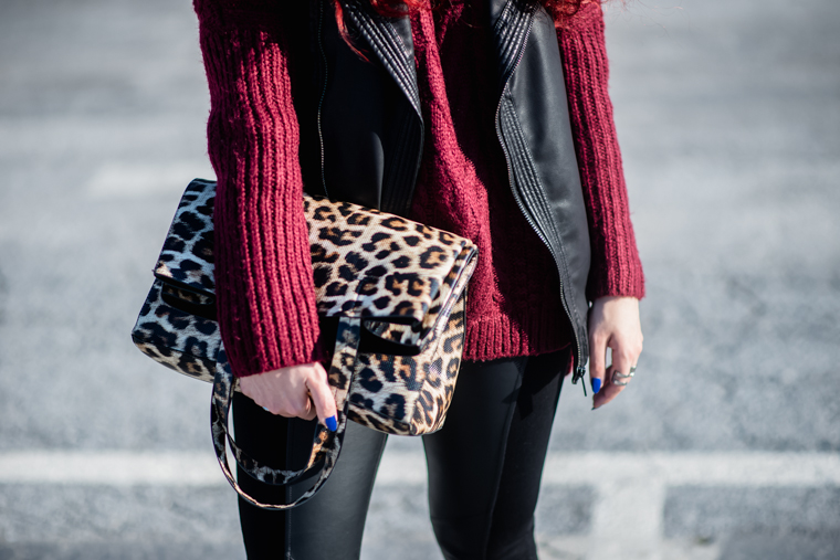 big sweater+leather vest (4)