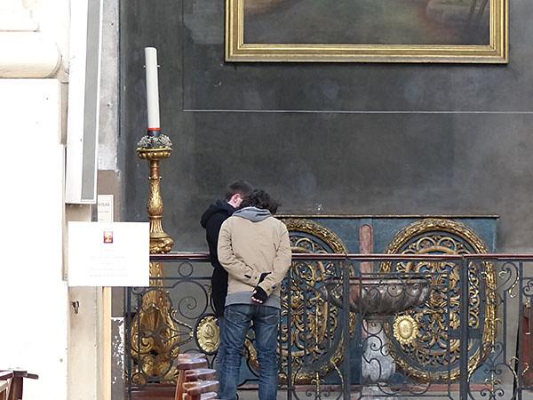 les garçons dans la cathédrale