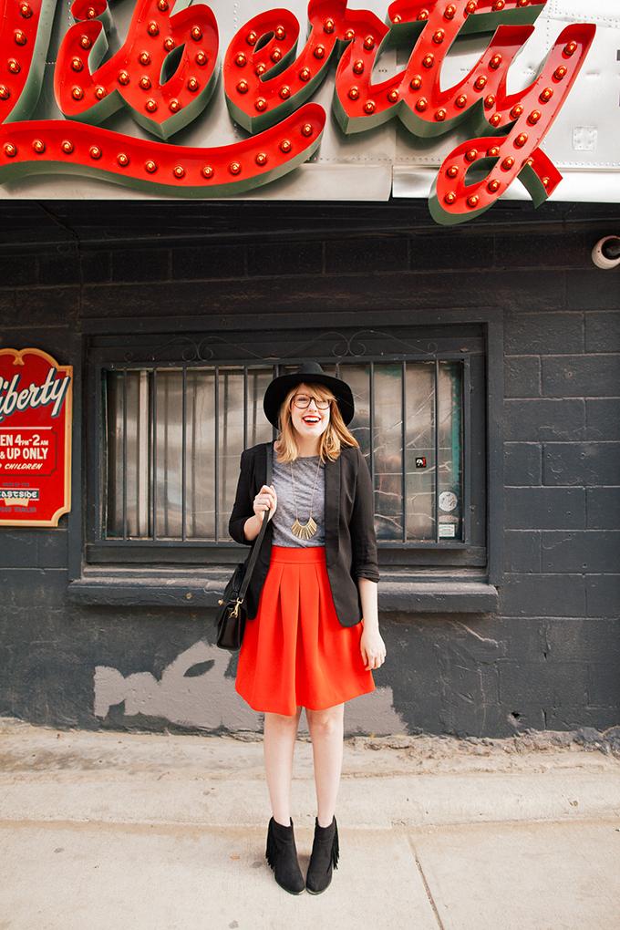red-skirt-black-hat3