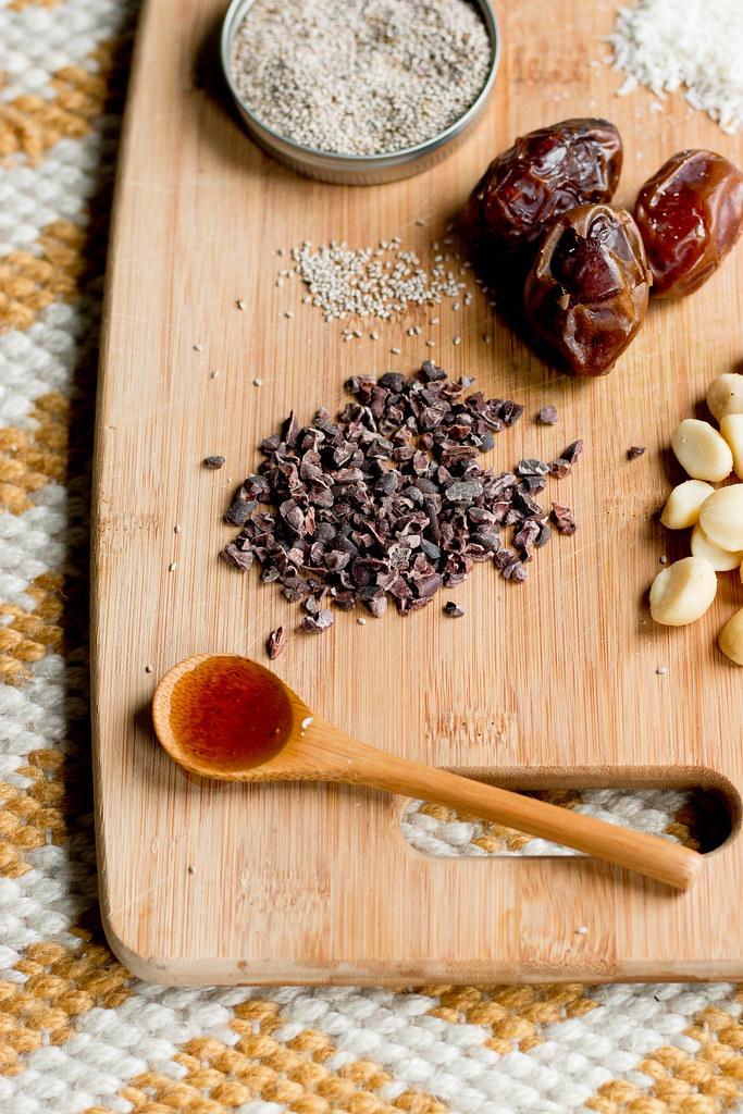 white chia pudding // cacao nibs + macadamia