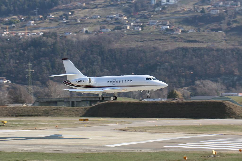 Aéroport - base aérienne de Sion (Suisse) 25710534622_8ee4e8b730_b