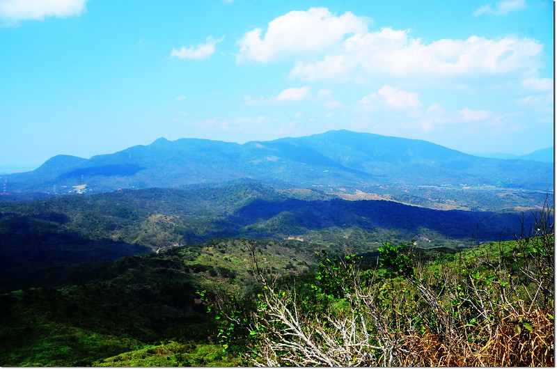 門馬羅山山頂北望三台山、老佛山