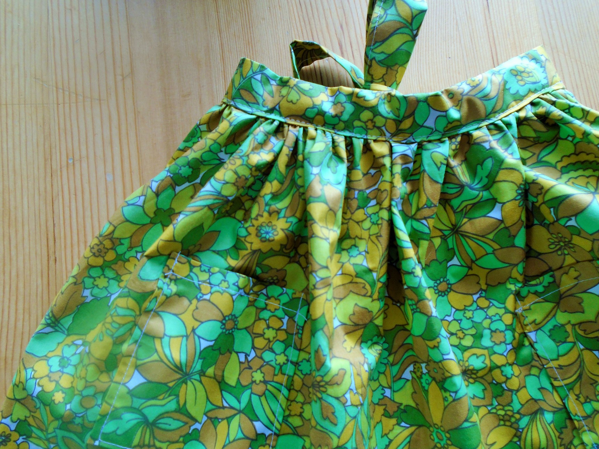 finished little apron