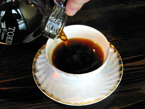 pouring siphon caffe d'bolla (1)